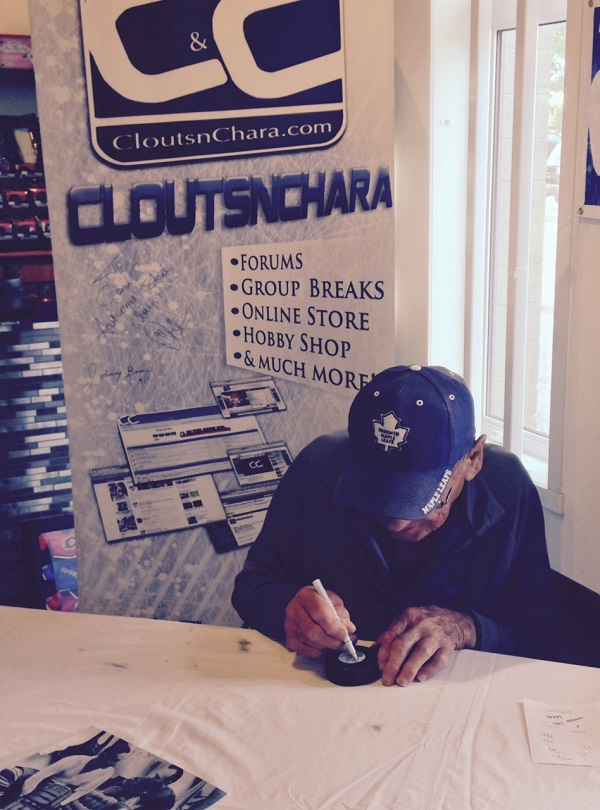 Johnny Bower Autograph Signing